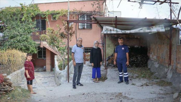 Hatay'daki yangında bayılan itfaiye eri, evini yanmaktan kurtardığı kadınla buluştu