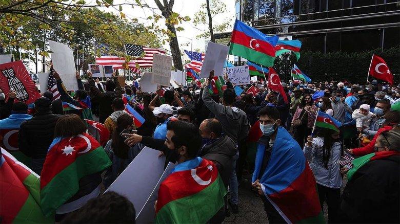 1603087408 580 ermenistanin gence kentine duzenledigi saldirilar new yorkta protesto edildi