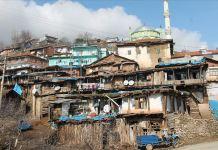 Demirci'nin otantik evleri fotoğrafçıların ilgisini çekiyor