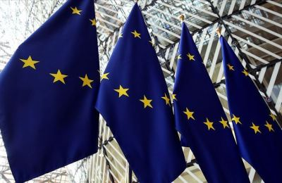 AB ekonomisi Kovid-19 nedeniyle yüzde 7,4 daralacak