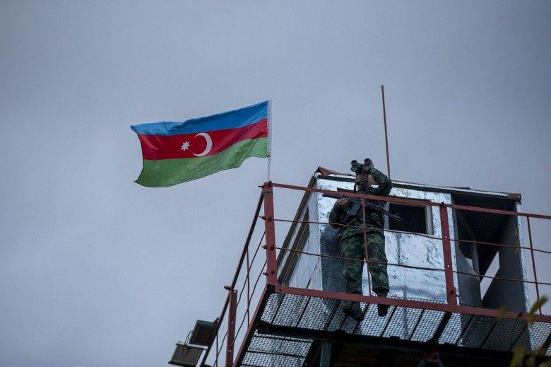 1604863625 4 ermenistan isgalinden kurtarilan azerbaycanin zengilan kentindeki karakollara bayrak cekildi