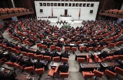 CHP 'Asgari Ücret Kanun Teklifi'ni TBMM Başkanlığı'na sundu