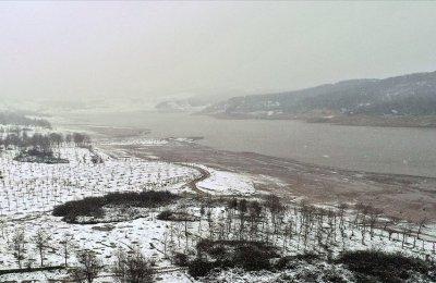 Kar yağışıyla İstanbul'un barajlarındaki su seviyesini yüzde 30'a yükseldi