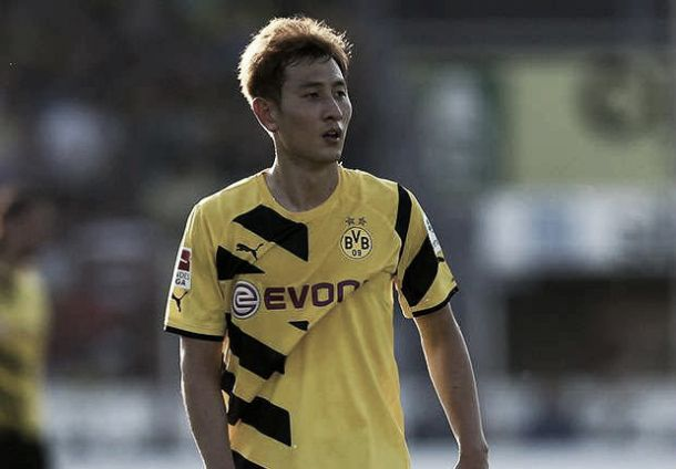 Atacante sul-coreano Ji Dong Won retorna ao Augsburg após passagem apagada pelo Dortmund