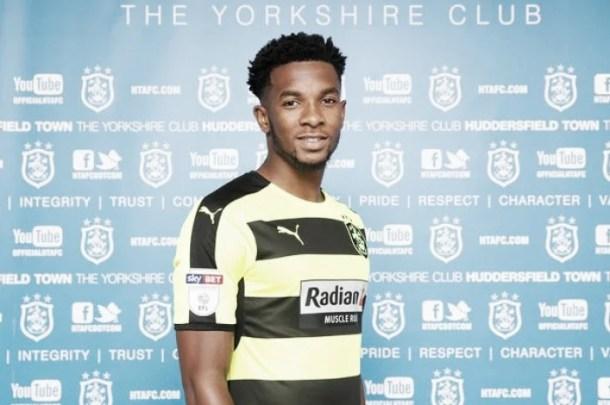 Kasey Palmer completes season-long loan switch to Huddersfield Town