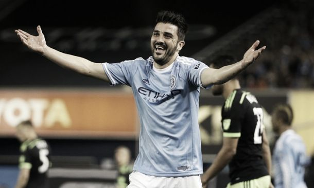 David Villa refuses to rule out possible loan move