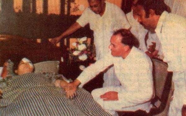 ஜெயலலிதா, ராஜீவ் காந்தி, முத்துச்சாமி
