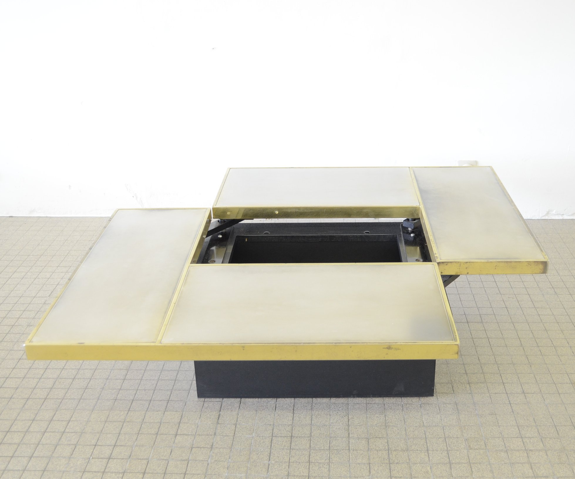 belgo chrom sliding coffee table with