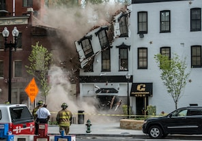 WASHINGTON, DC - MAY 2:<br /><br /><br /><br /><br /> A building housing a strip club collapses, on May, 02, 2014 in Washington, DC.<br /><br /><br /><br /><br /> (Photo by Bill O'Leary/The Washington Post)