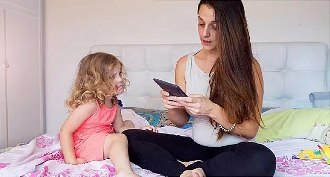 「parents ignoring children」的圖片搜尋結果