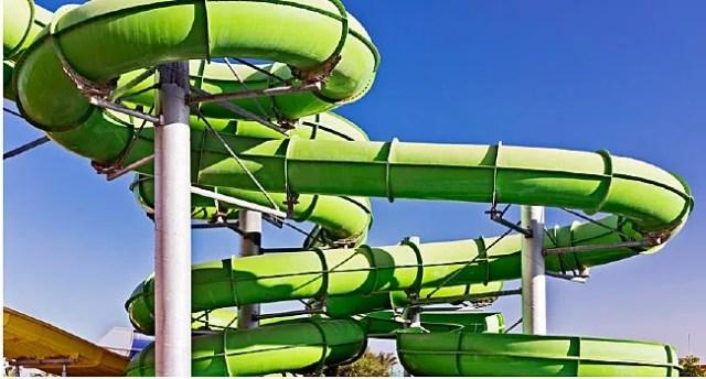 groene waterpark pijp