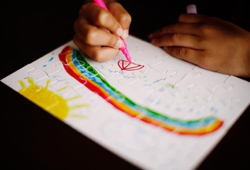 getty_rf_photo_of_child_drawing