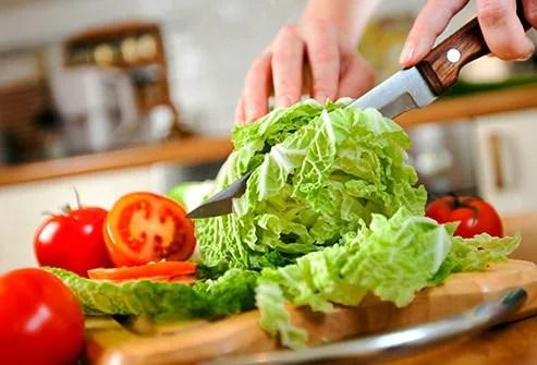 chopping lettuce