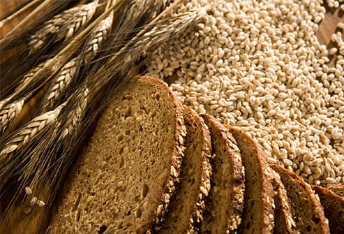 Whole grains and wheat bread