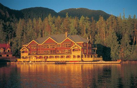 floating-canadian-hotel-lodge-resort.jpg