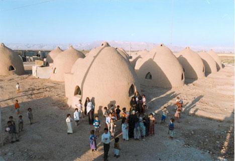 superadobe refugee housing