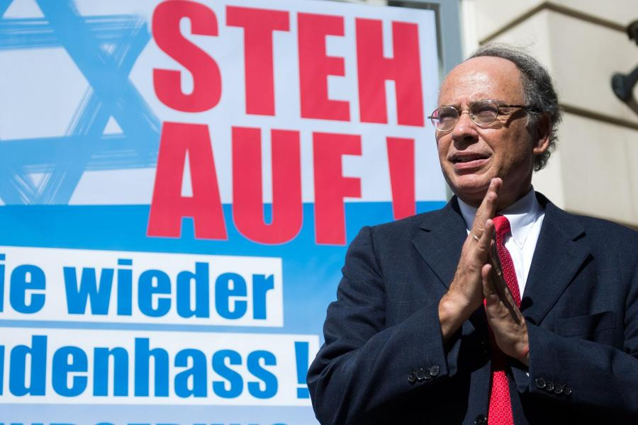 https://i2.wp.com/img.welt.de/img/deutschland/crop133855260/7226938374-ci3x2l-w900/Plakat-zur-Kundgebung-Steh-auf-Nie-wieder-Judenhass-.jpg