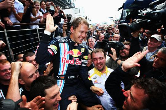 Formel 1 Die Liebe Der Fans Erdrckt Sebastian Vettel