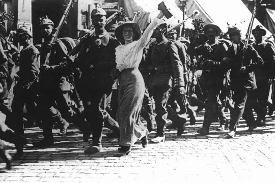 https://i2.wp.com/img.welt.de/img/geschichte/crop127275840/4139738421-ci3x2l-w540/Germans-go-to-World-War-I.jpg