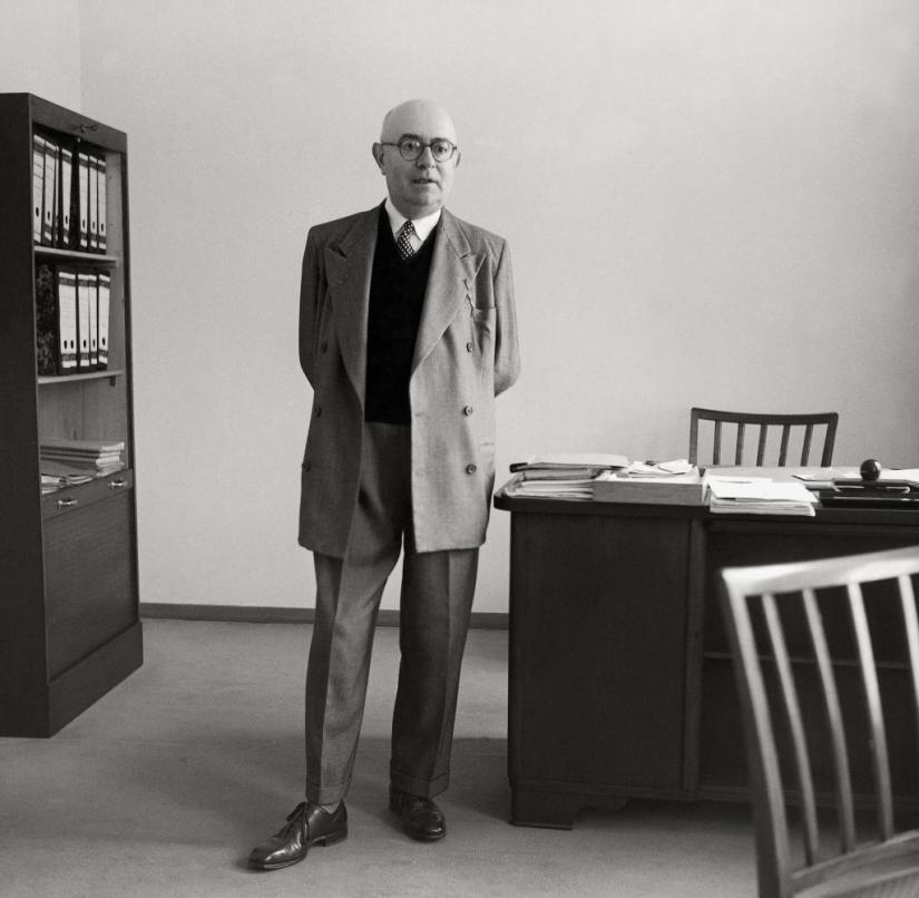UNSPECIFIED - CIRCA 1958: Theodor W. Adorno. Photography. 1958. (Photo by Imagno/Getty Images) [Theodor W. Adorno. Photographie. 1958.]