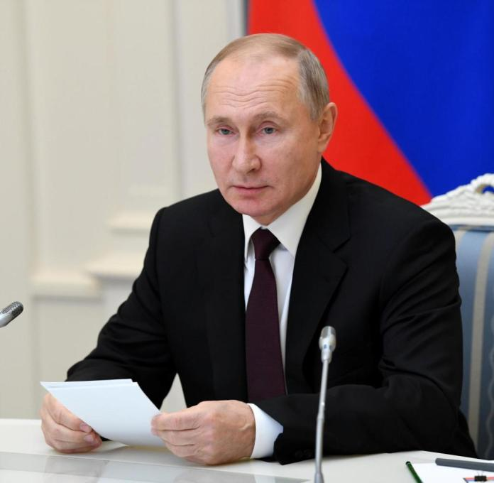 Russian President Vladimir Putin has apparently taken on himself with his promise of mass vaccine production