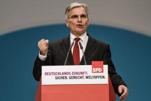 Österreichs Bundeskanzler Werner Faymann will der Türkei mehr Flüchtlinge abnehmen