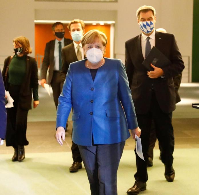 "Michael Müller (SPD), Angela Merkel (CDU) and Markus Söder (CDU) appeared before the public on October 28th with the idea of ​​a ""lockdown light"""