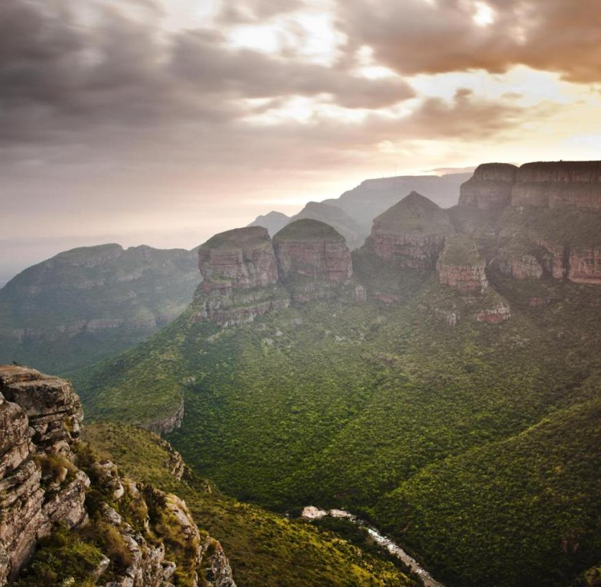 Spectacular view of the Blyde River Canyon in South Africa: There are huge orange and banana plantations in the lowlands, tea is grown in the highlands