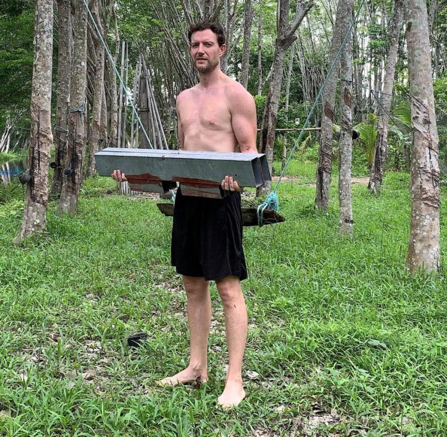 Balancing as a work-out: the author keeps himself fit with building materials