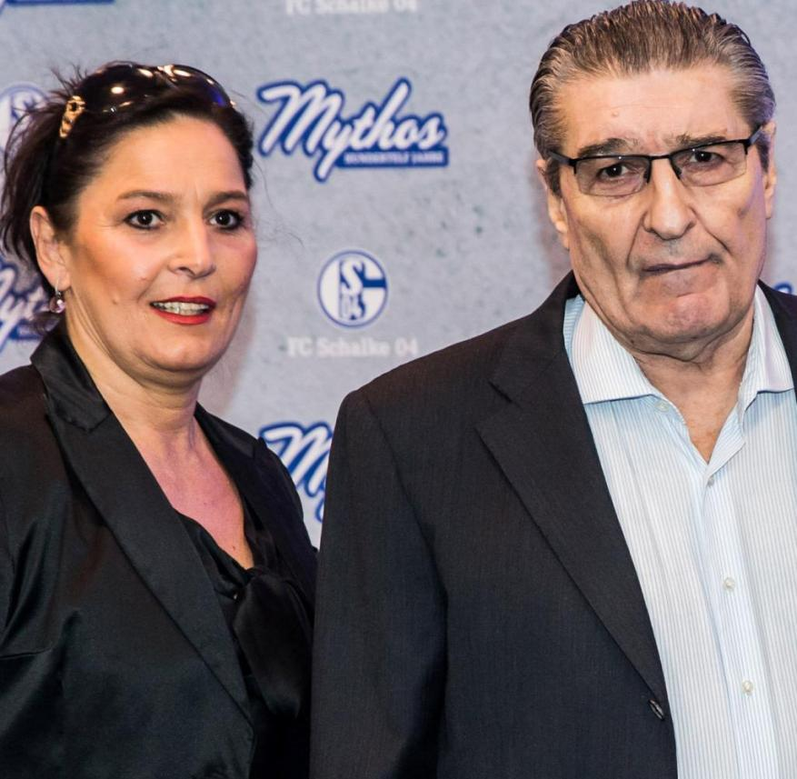 Rudi Assauer, who died in February 2019, with his daughter Bettina Michel at a birthday gala of his heart club Schalke 04 in September 2015
