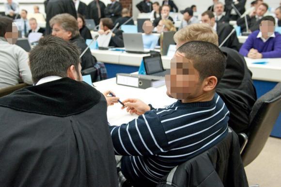 """Prozessauftakt gegen """"Black-Jackets""""-Mitglieder"""