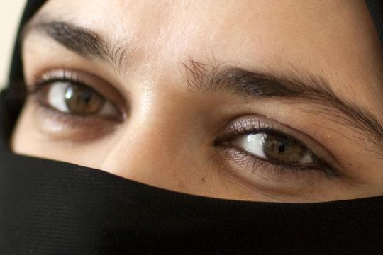 Von Mädchen, die schon in der Schule Kopftuch tragen und verächtlich auf die herabsehen, die das nicht tun, geht oft ein wahnsinniger Gruppenzwang aus, glaubt Zana Ramadani