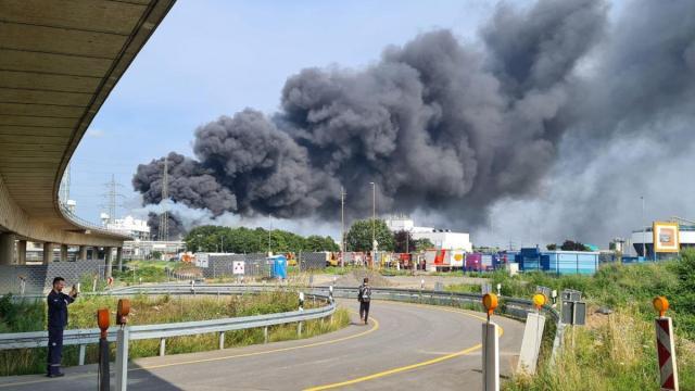 NRW: Wybuch w Sembark Leverkusen – mieszkańcy powinni zamykać okna