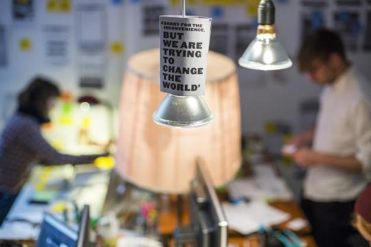 Lange Arbeitszeiten und vergleichsweise wenig Gehalt: Wem das nichts ausmacht, der ist in Berlins Gründerszene richtig