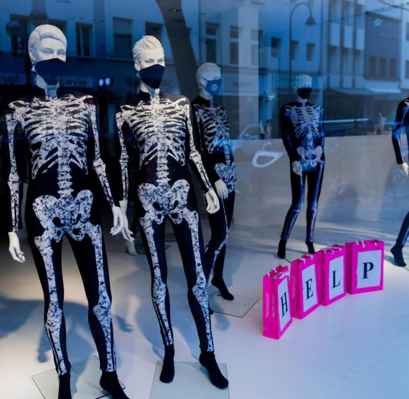 Mannequins in Cologne: The economic damage of the lockdown is serious for retail