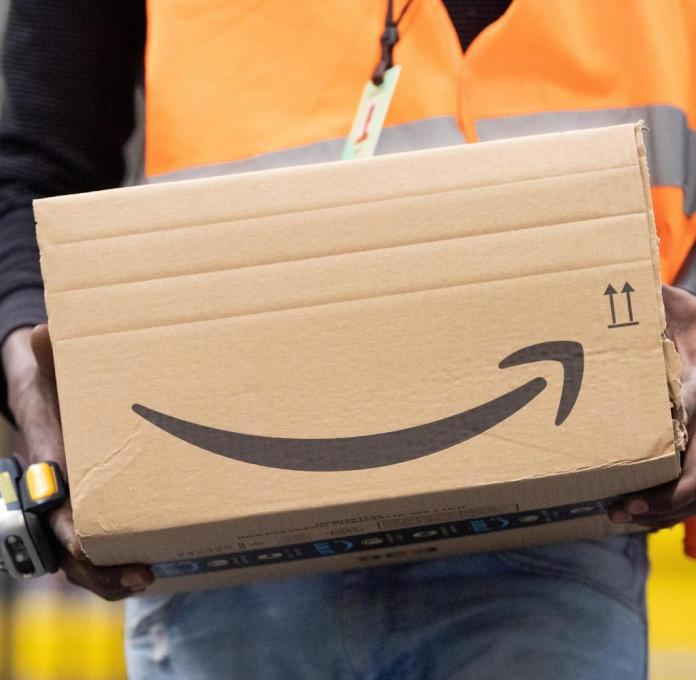 Amazon drivers deliver up to 300 parcels a day in the USA.  If they are too slow, the termination can follow