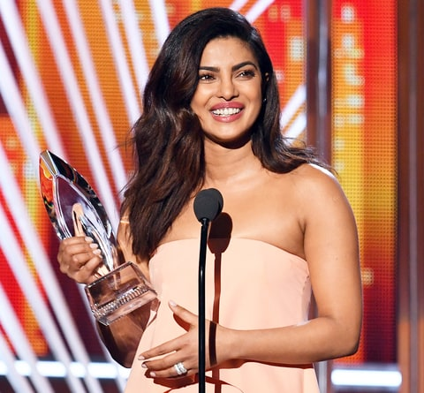 Priyanka Chopra accepts Favorite Dramatic TV Actress for 'Quantico' onstage during the People's Choice Awards 2017 at Microsoft Theater on January 18, 2017 in Los Angeles, California.