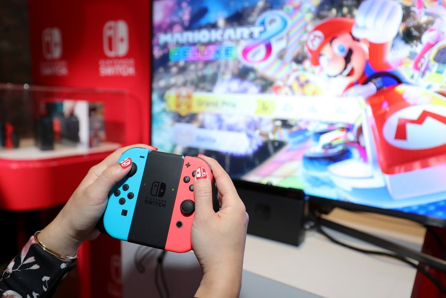 Daily Glixel: Nintendo Switch Breaks a Sales Record in Japan