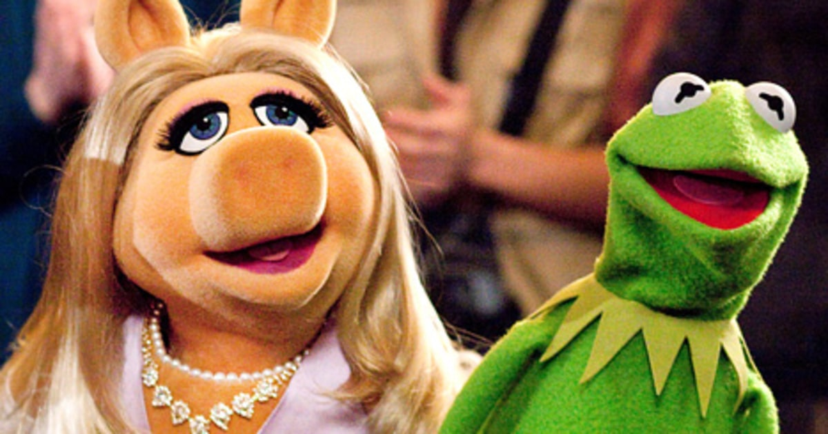 Kermit Frog Miss Piggy And Kissing