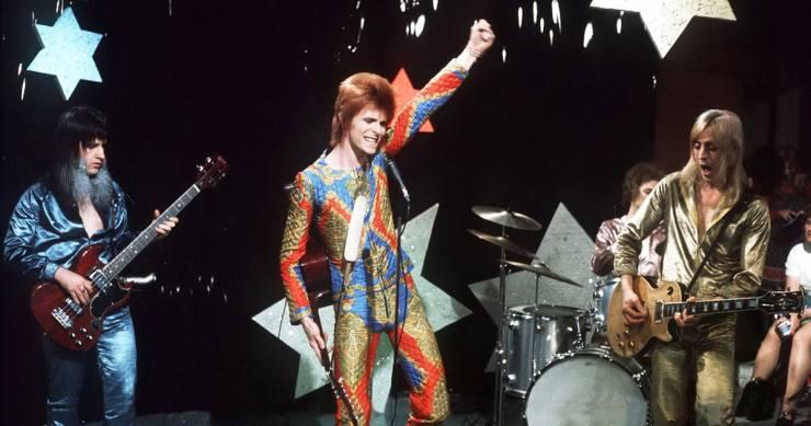 https://i2.wp.com/img.wennermedia.com/social/rs-247093-RS-Bowie0.jpg?resize=740%2C389