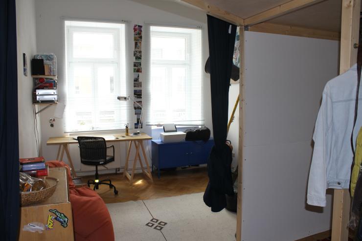 zwei zusammenhängende jeweils 16 Quadratmeter große Zimmer in netter vierer WG - WGs München