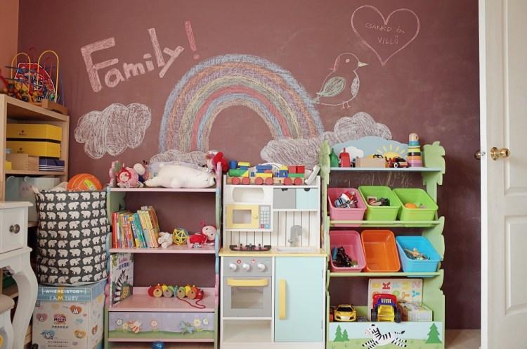 Teamson 打造屬於寶貝們的小小天地。Fantasy Fields玩具收納架、書櫃