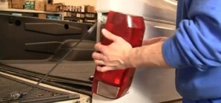 how to change a brake light
