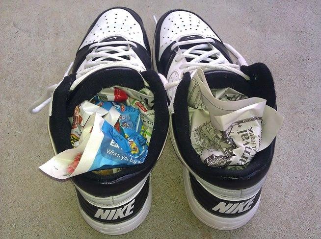 secar-calzado-con-periodicos