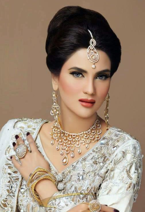 Fiza Ali Shoot For Bridal Collection 2013 By Sunar