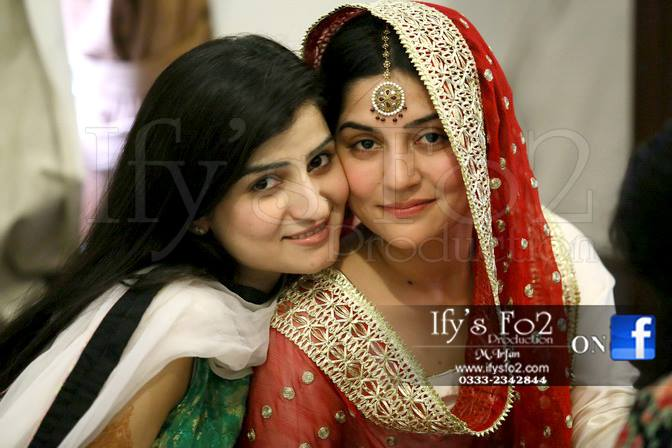Sanam Baloch Mehndi And Mayon Pics