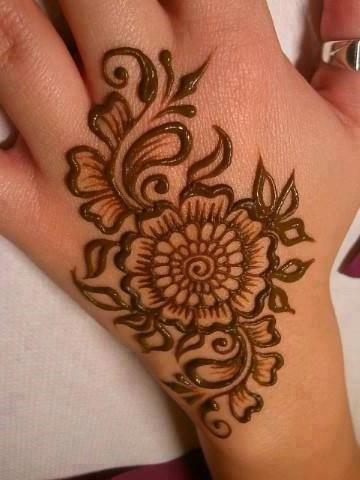 Mehndi Designs For College Girls