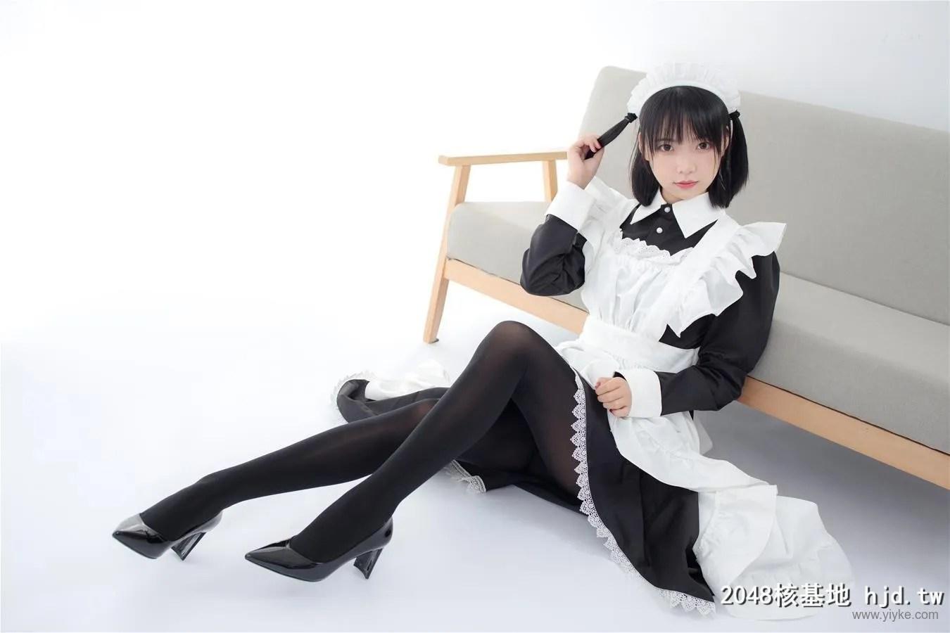 森萝财团_JKFUN-029 卉女仆 踩物 80D黑丝 [67P]插图(6)