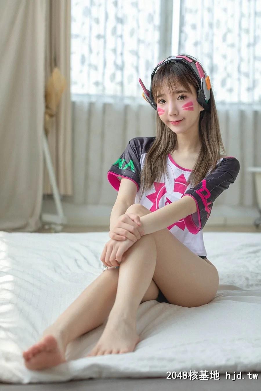 《守望先锋》D.Va甜美少女裸足Cosplay【CN:裴裴】 (15P)插图(2)