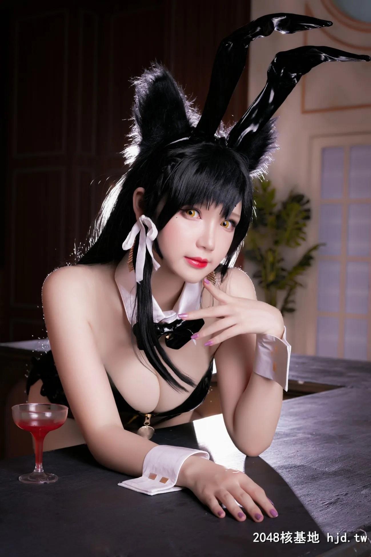 《碧蓝航线》爱宕性感黑丝吊带兔女郎Cosplay【CN:雪晴Astra-】 (30P)插图(3)